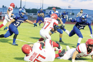 Tarpons hold off Rattlers, 36-27