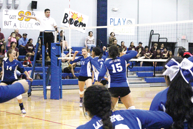 PI volleyball pic4-10-30-14