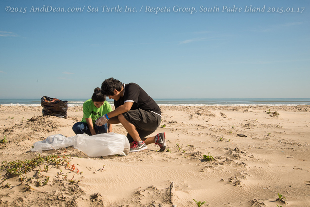 169_15.01.17_RespetaGroup_BeachCleanUp_SouthPadre Island,TX_20150117
