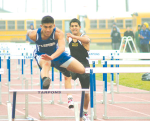 Silva Hurdles for Gold at Los Fresnos
