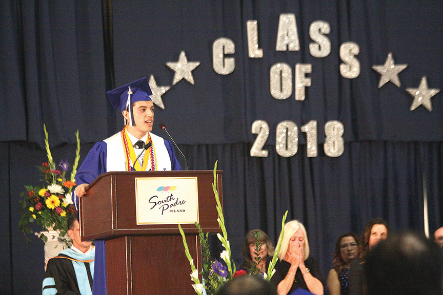 2018-05-31PIHSGraduation2WEB