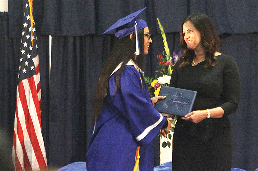 2018-05-31PIHSGraduation4WEB
