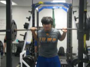 Powerlifter Mendoza Aims for State